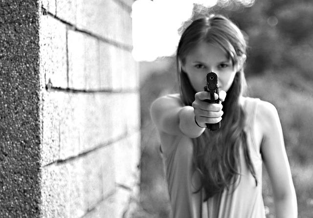 černá pistole