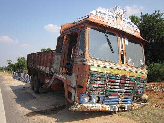 starší typ nákladního automobilu